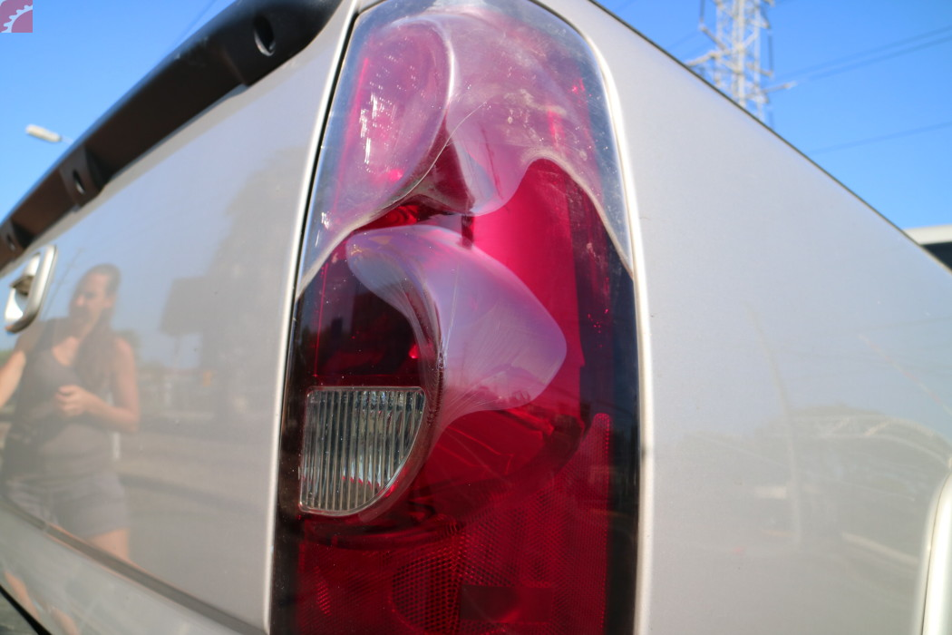 TAIL LAMPS CRACKED