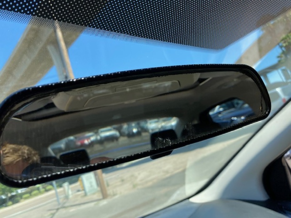Rear view mirror glass peeling