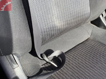 SEAT BELTS NOT RETRACTING EASY
